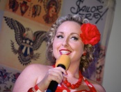 One smiling Miss Pinupalooza contestant